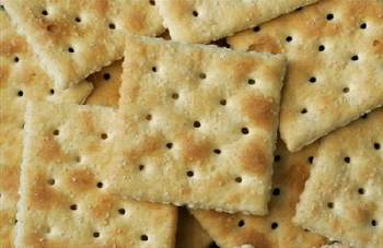 saltine-crackers